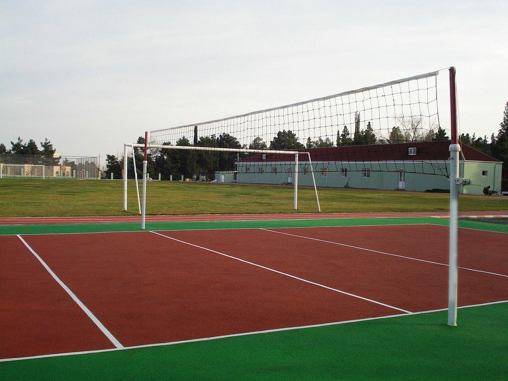 Жителей Навли обрадуют волейбольной площадкой