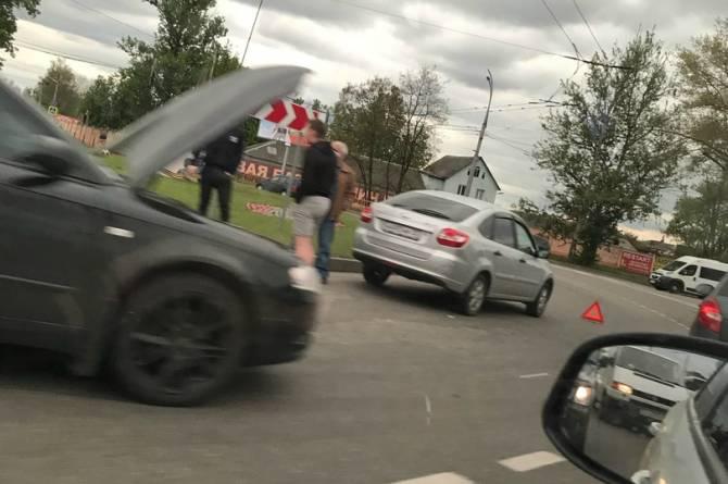 В Брянске на Телецентре произошло ДТП