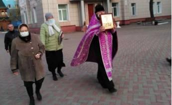 В Брянске прошел молитвенный обход против коронавируса