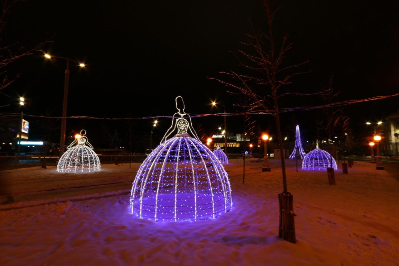Более 250 новогодних светящихся инсталляций установят в Брянске