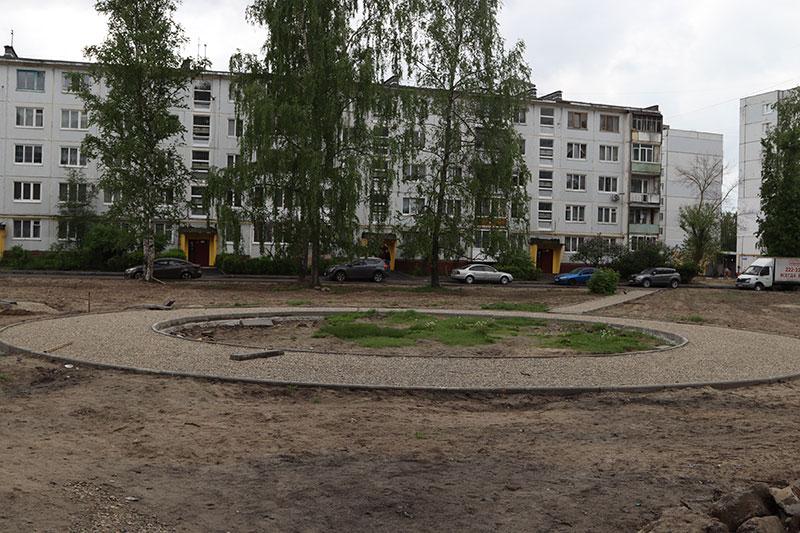 В городе Брянске на сэкономленные деньги отремонтируют восемь дворовых территорий