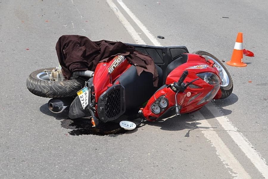 В Суземском районе водитель не совладал со скутером