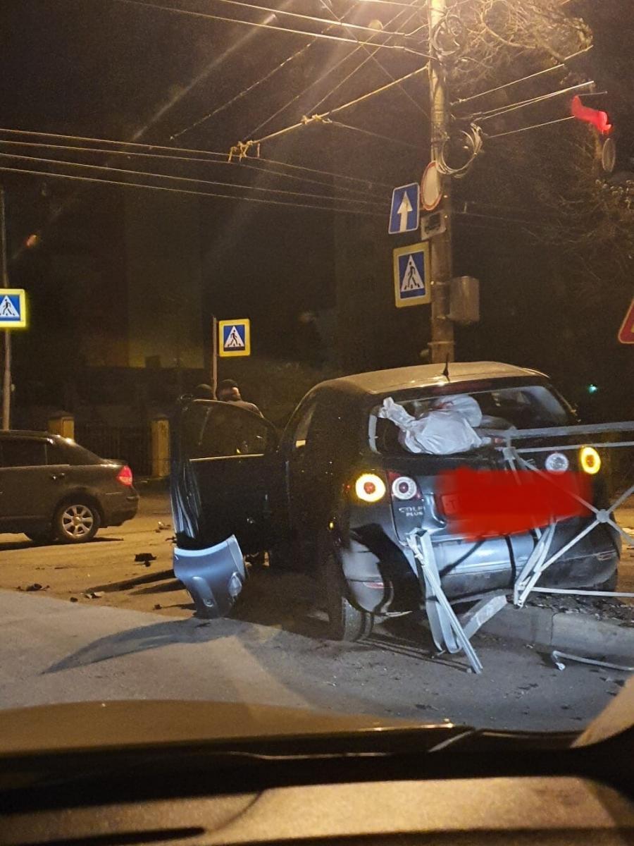 В Брянске ночью произошло жуткое ДТП
