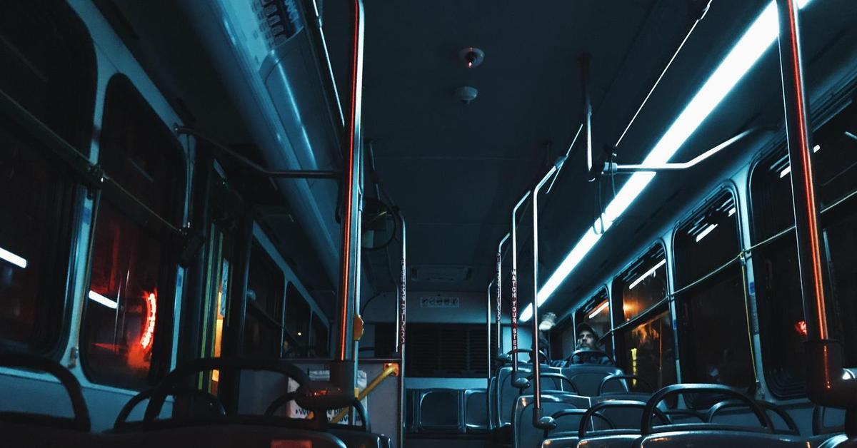 В Брянске график движения автобусов и троллейбусов продлят до полуночи