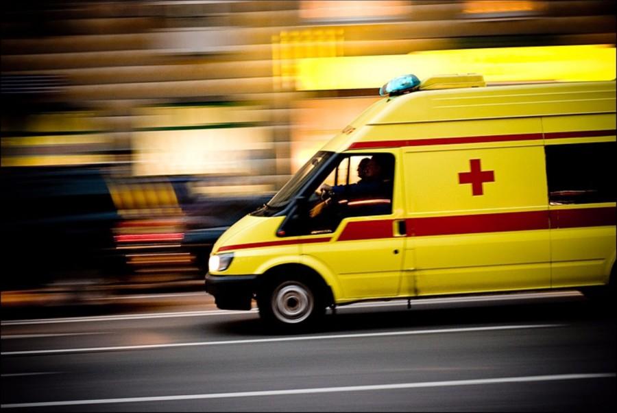 В Дятьково пьяная 63-летняя женщина попала под машину и разбила себе голову