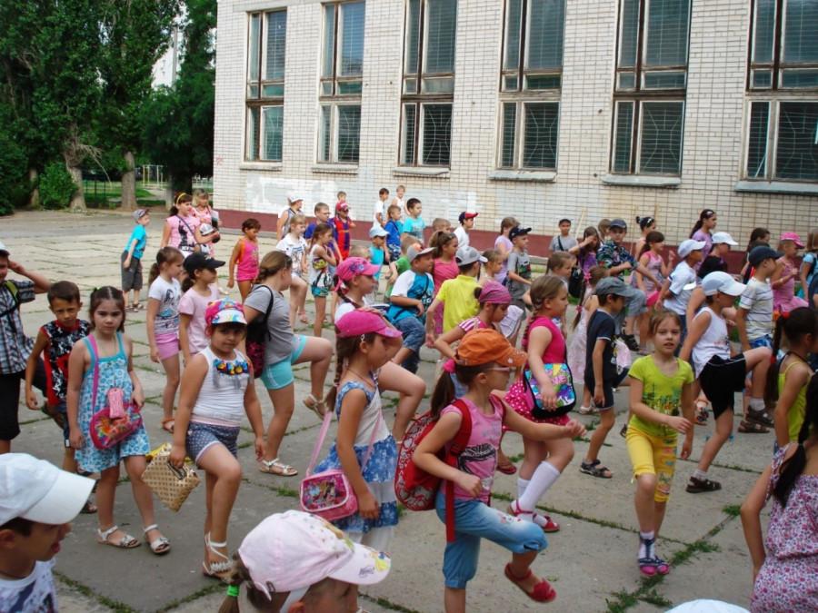 В брянских школах открылись 415 лагерей
