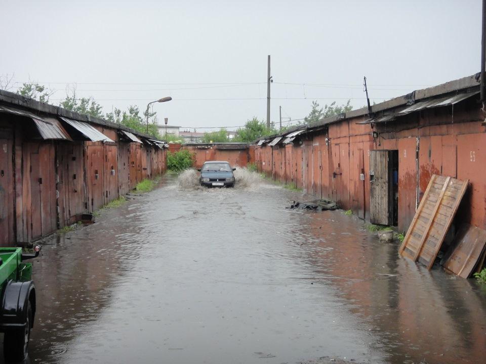 В дело о затоплении гаражей и участков на Флотской в Брянске вмешалась прокуратура