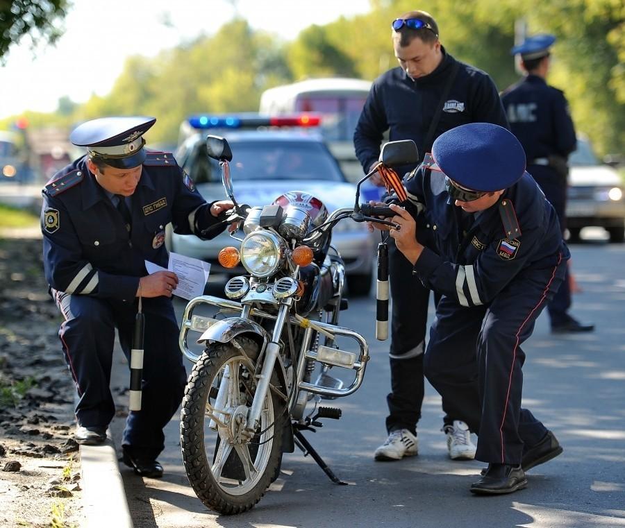 Брянские гаишники поймали семерых пьяных мотоциклистов