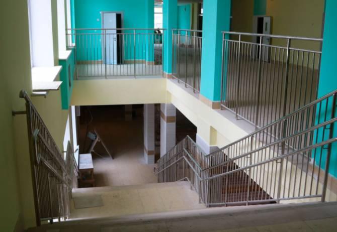 В Брянске школу на старом аэропорту достроят в июне