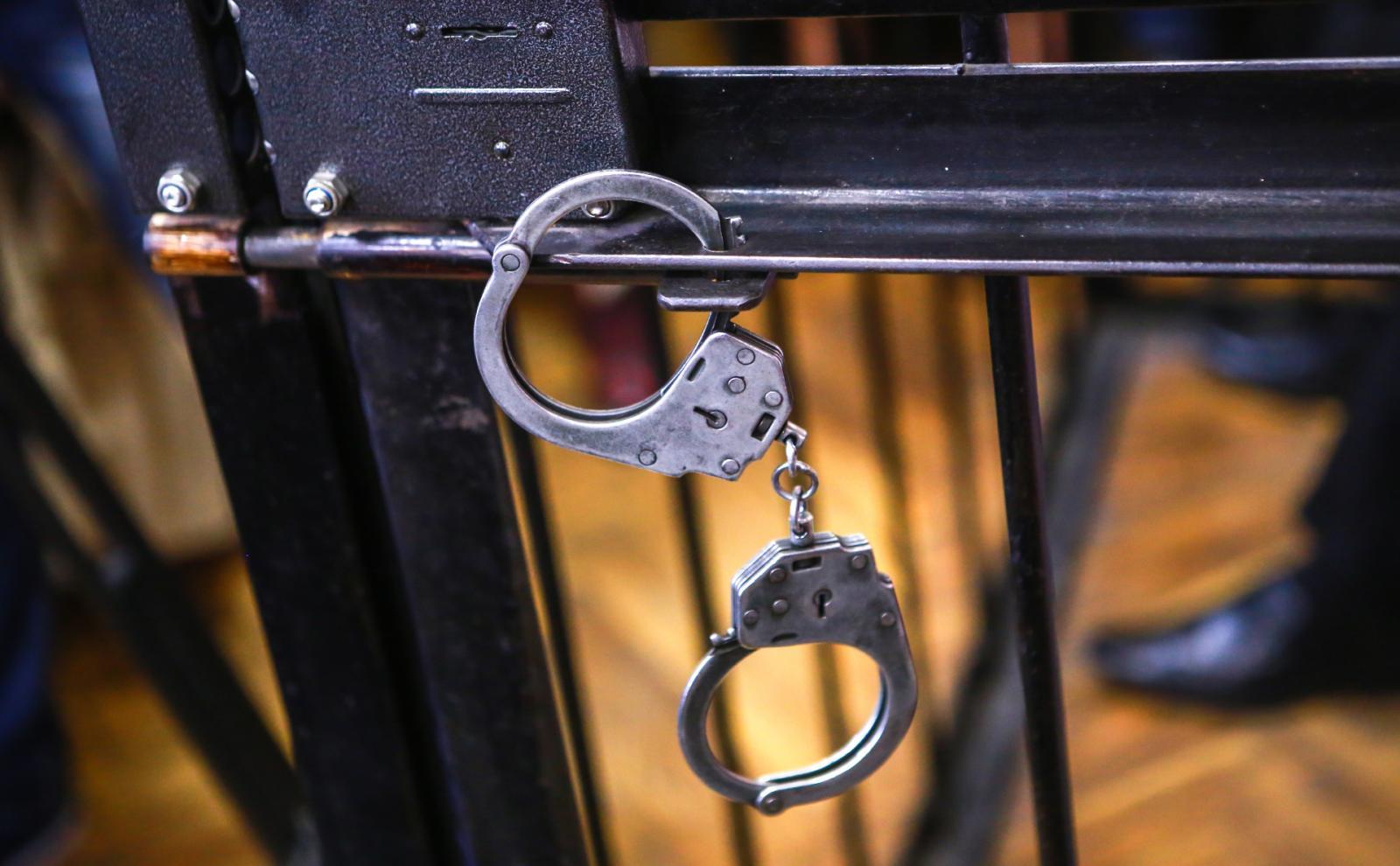В Брянске повязали уголовника за хранение крупной партии героина