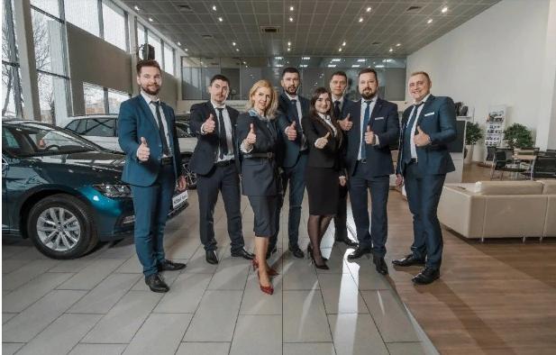 Фольксваген Центр Брянск, официальный дилер автомобилей Volkswagen в Брянской области, поздравляет своих клиентов, партнеров и всех жителей города с Новым Годом и Рождеством!