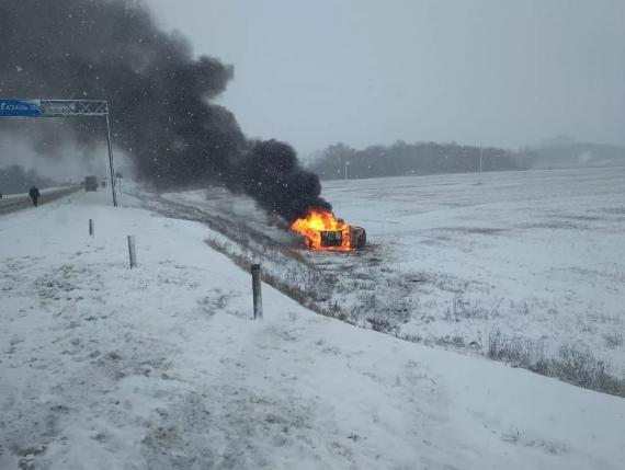 В Брянском районе разбилась и сгорела иномарка