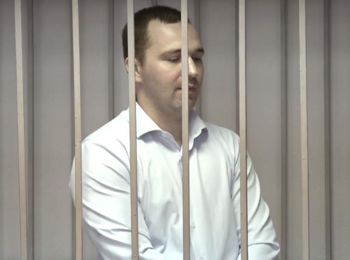 Погоревший на крупной взятке брянский полицейский Косарев не разжалобил суд