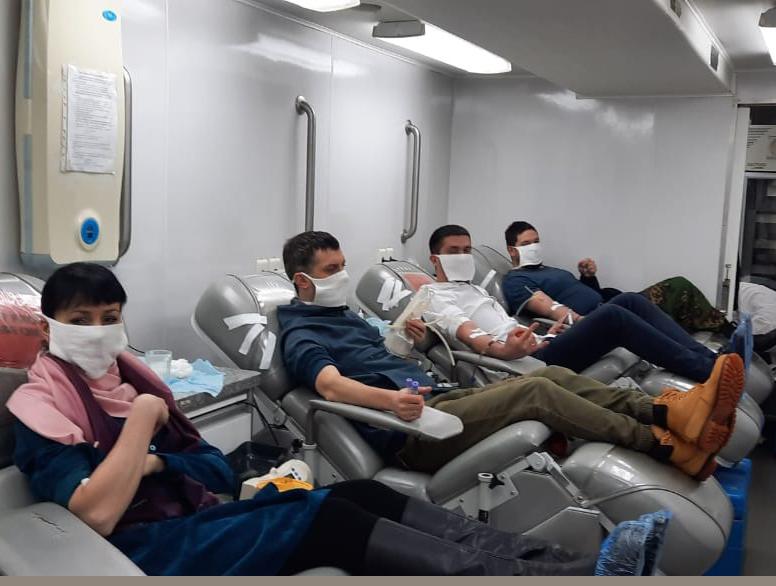 Энергетики Брянской области сдали более 40 литров донорской крови