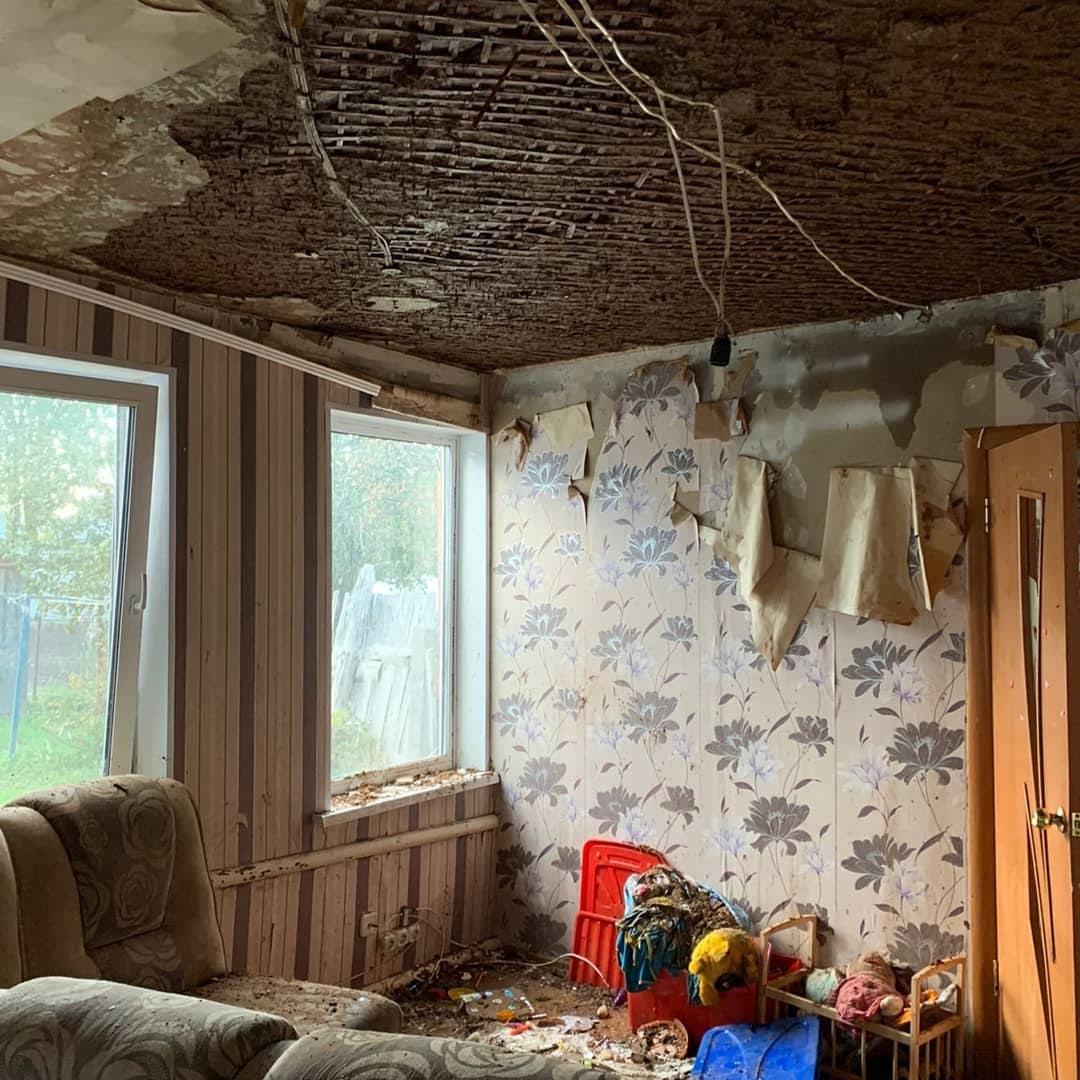 В Новозыбкове мужчина избил топором соседского ребёнка и поджег дом