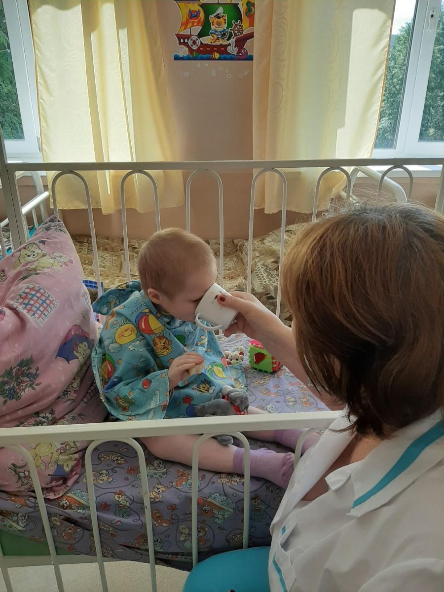 В Брянске истощенная 7-летняя девочка поправилась на 3 килограмма