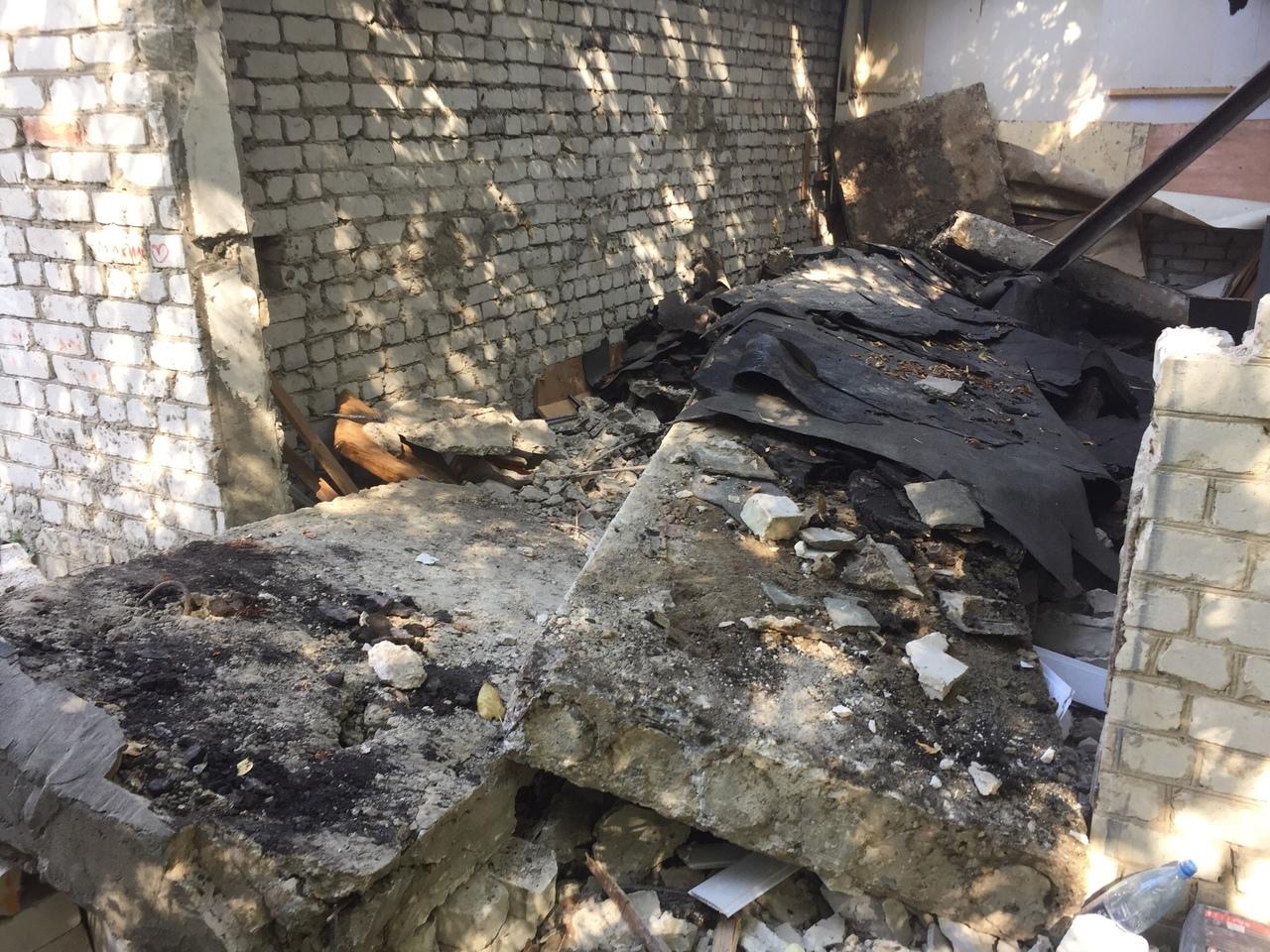 В Брянске возбудили уголовное дело по факту гибели людей при обрушении гаража