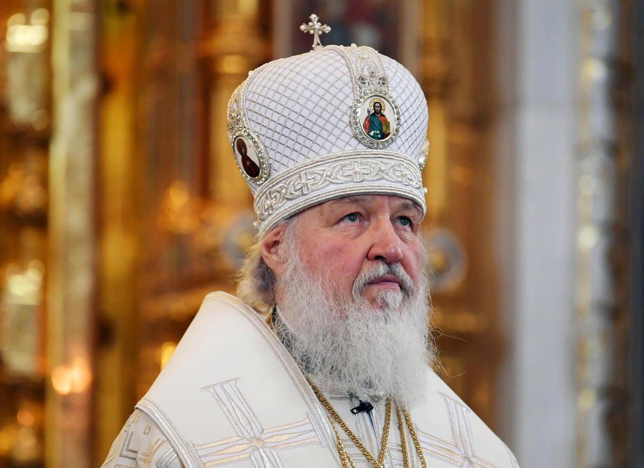 Литургию с участием патриарха транслируют на большом экране в Брянске