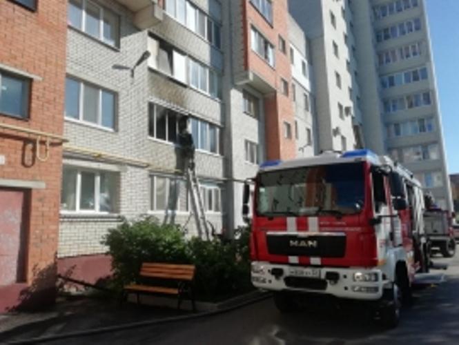 В Брянске загорелся балкон в жилой многоэтажке
