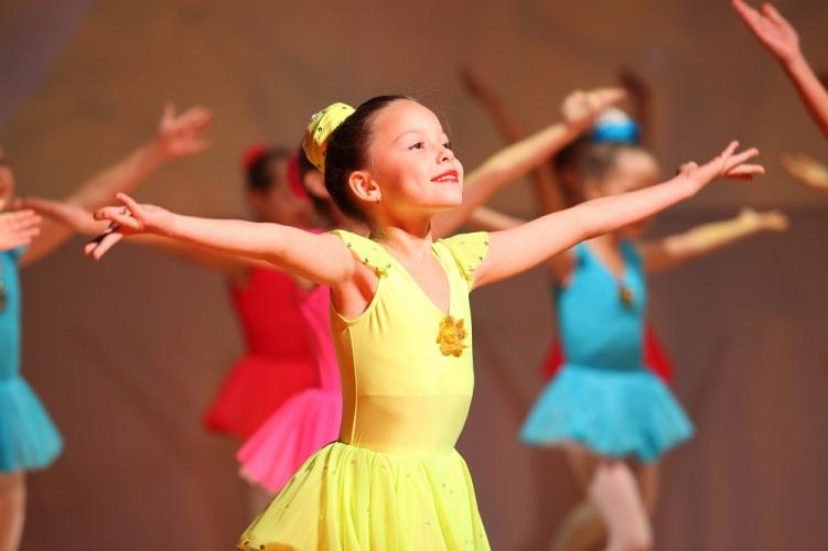 Александр Богомаз дал новую жизнь ансамблю танца «Акварель»