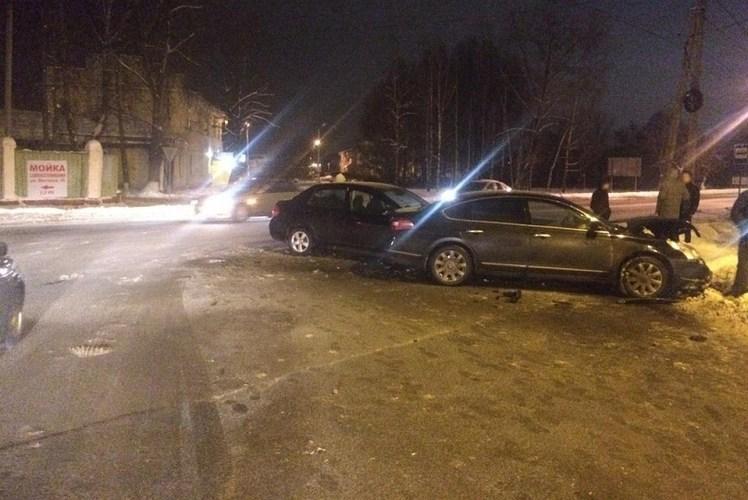 В страшной аварии на улице Почтовой пострадала 4-летняя девочка