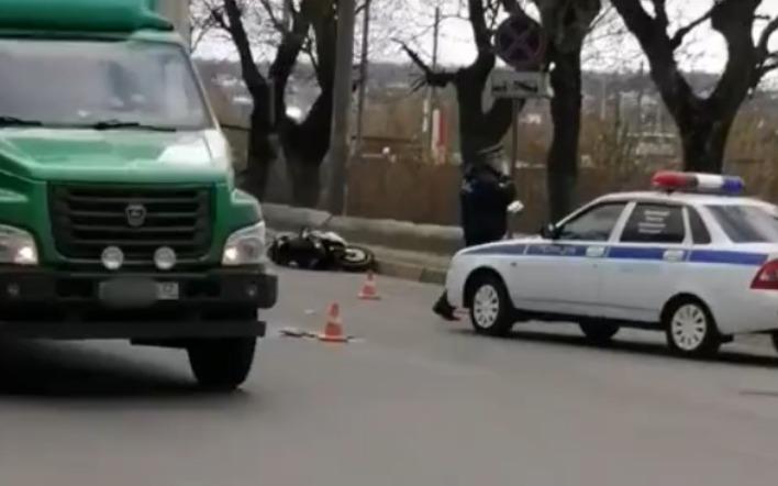 В Брянске в ДТП с «Лексусом» погиб мотоциклист