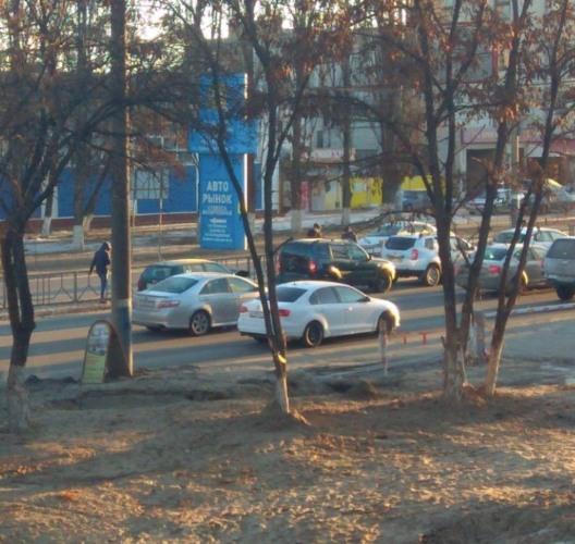 В Брянске на проспекте Московском столкнулись четыре легковушки