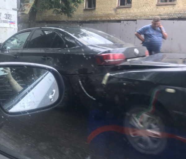 В Брянске на улице Калинина произошло тройное ДТП