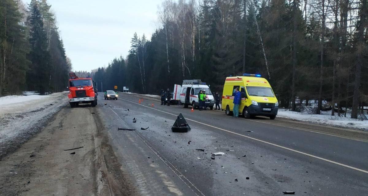 В Жуковском районе в лобовом столкновении на автотрассе погиб молодой мужчина