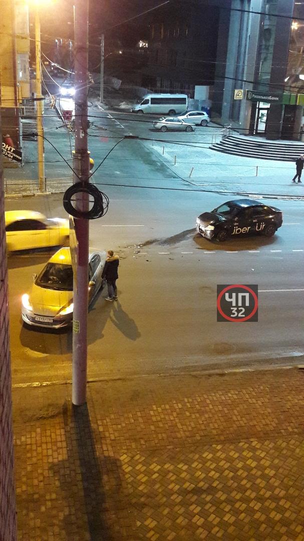 На Грибоедова авария с такси
