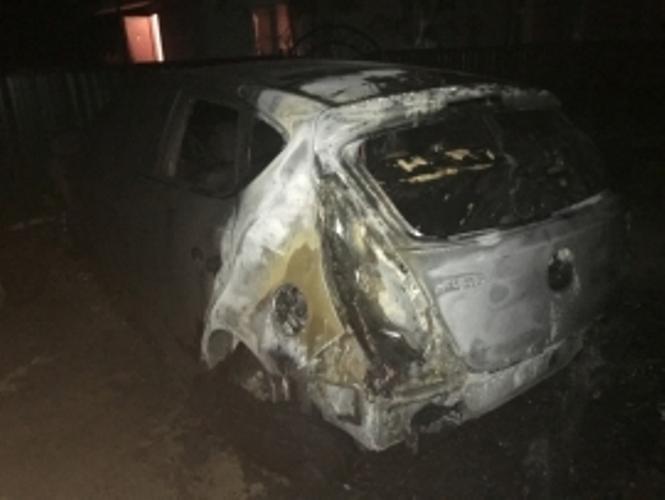 Сегодня ночью в Жуковке сгорел автомобиль