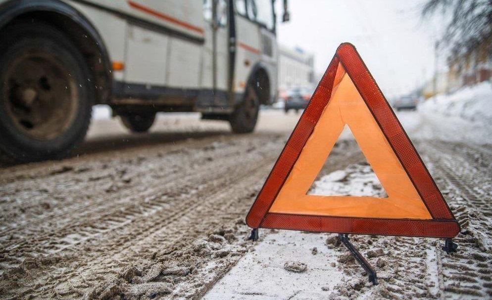 В Брянске на Стальзаводе произошла авария с участием троллейбуса