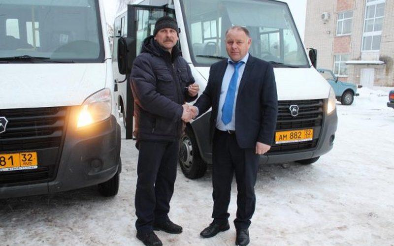Мглинскому району доставили новые автобусы
