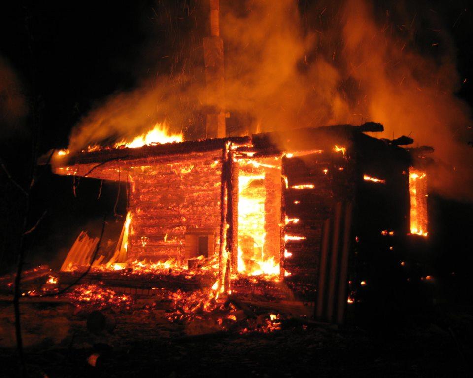 В Клинцовском районе вспыхнула баня