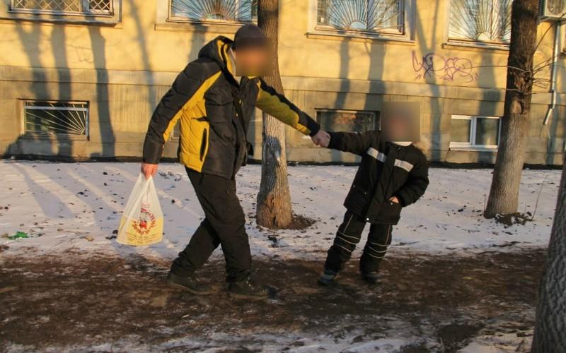В Белых Берегах пытались похитить ребенка