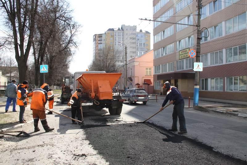 Брянское УГИБДД выдало больше 100 предписаний по содержанию дорожного покрытия