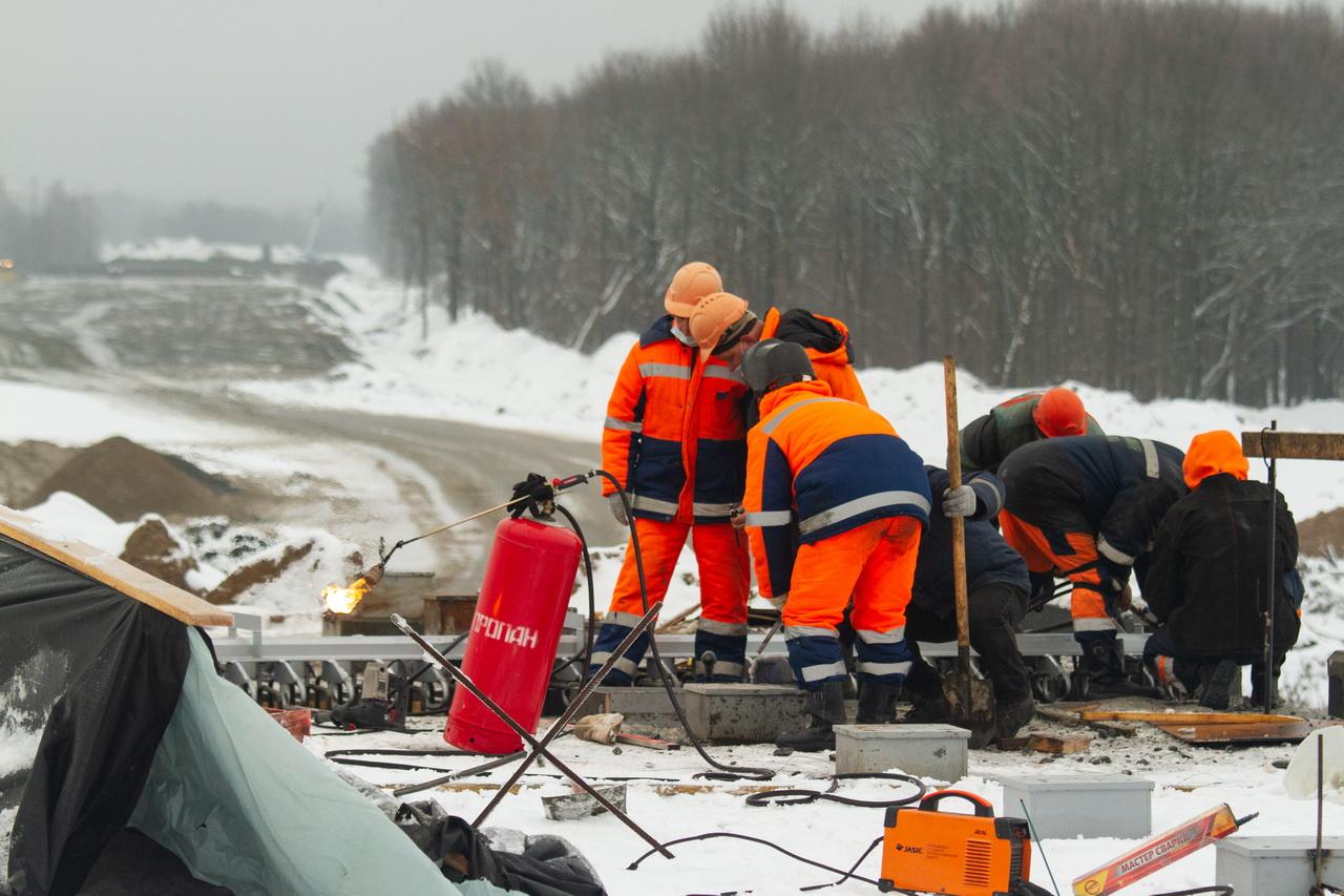 В Брянске и зимой продолжается строительство новой дороги за 2 млрд рублей