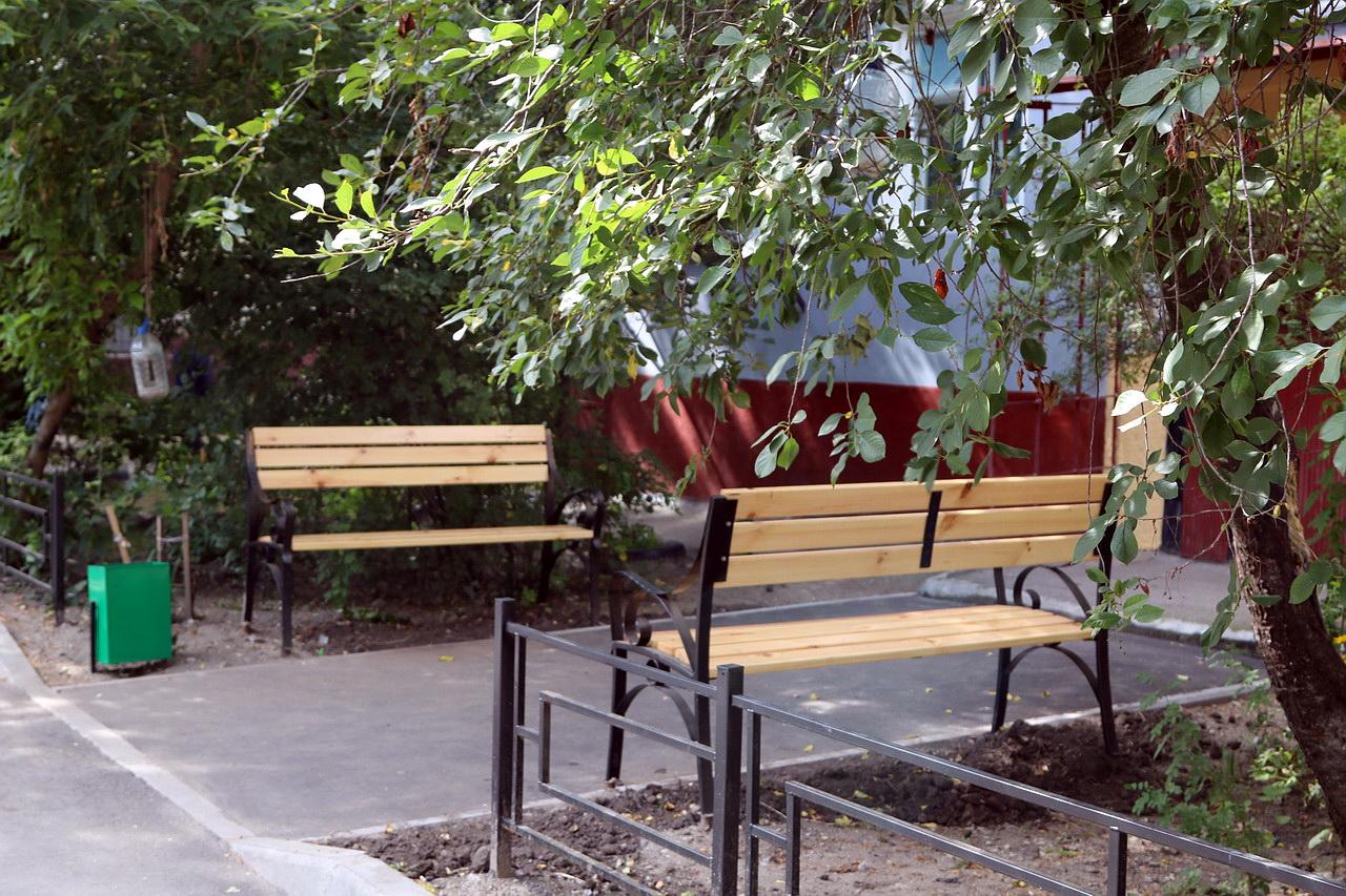 В Володарском районе Брянска отремонтировали двор
