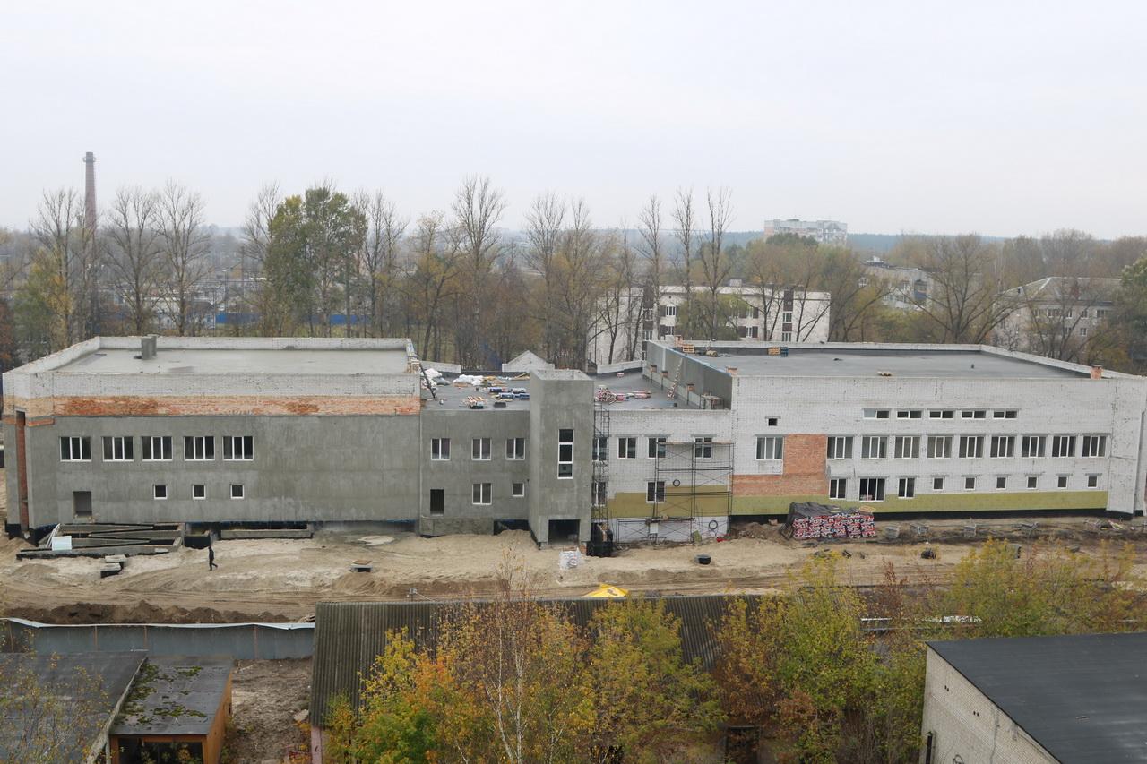 В Брянске продолжается строительство бассейна