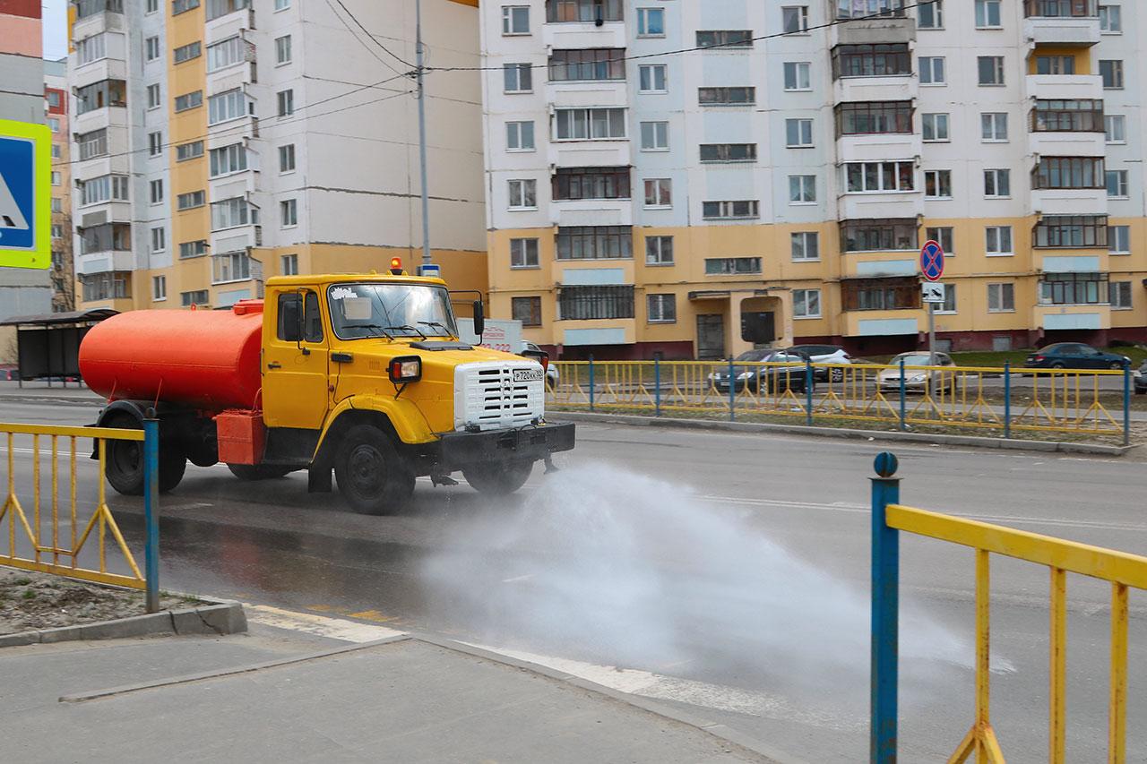 В Брянске продолжается дезинфекция дорог