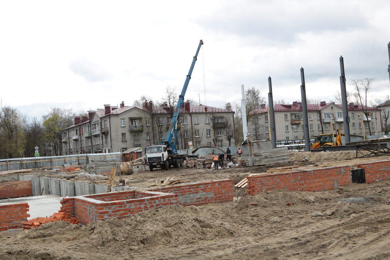 В Фокинском районе Брянска продолжается строительство 25-метрового бассейна