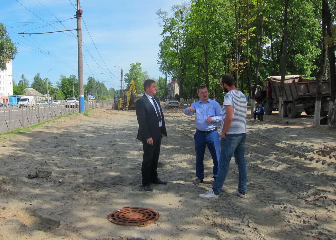 В Брянске практически завершили строительство ливнёвки на проспекте Московском