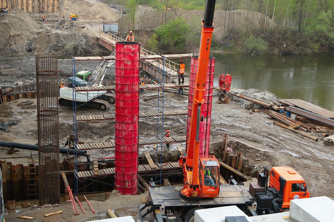 На Литейном мосту в Брянске смонтировали первую балку