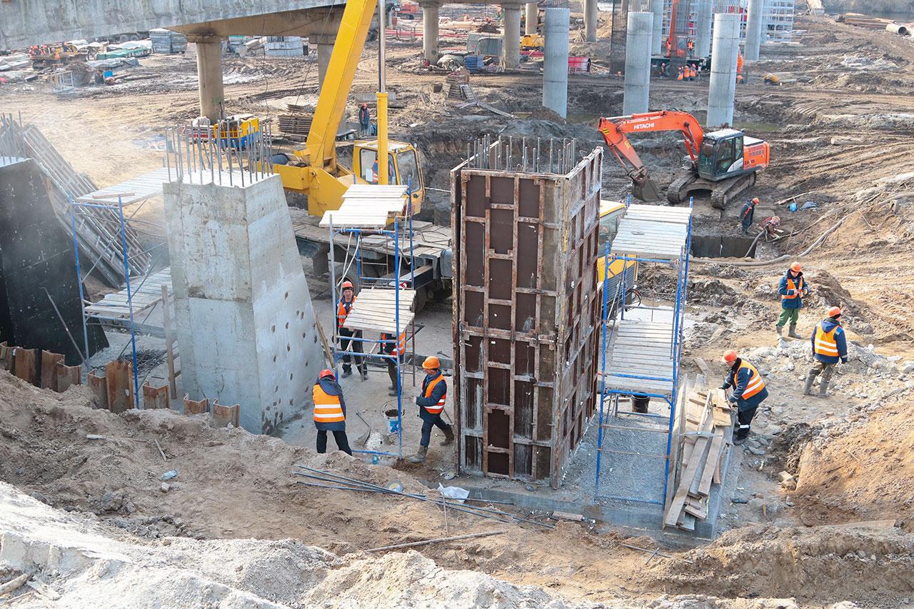 В Брянске приступили к производству ригелей на Литейном мосту