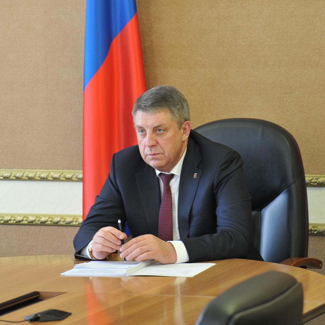 Губернатор Брянской области рассказал о размере надбавок врачам