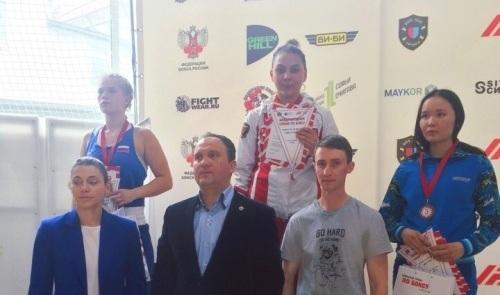 Брянские девушки завоевали две медали на открытом турнире по боксу