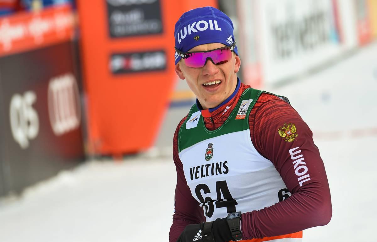 Большунов выбыл в полуфинале спринта