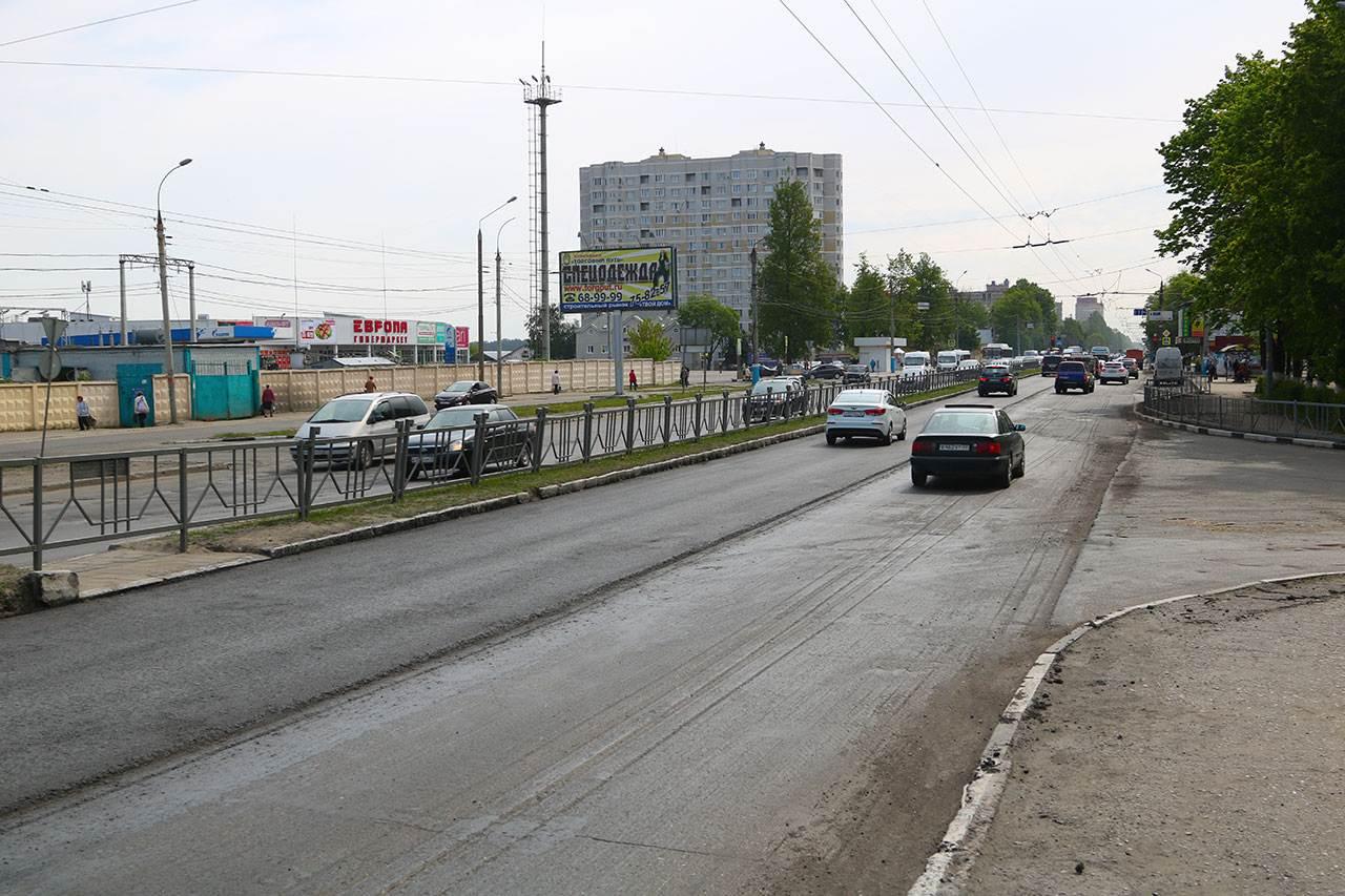 На проспекте Московском в Брянске перевернулся автомобиль