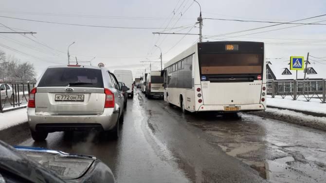 В Брянске пьяного водителя фуры из Молдовы задержали на встречной полосе