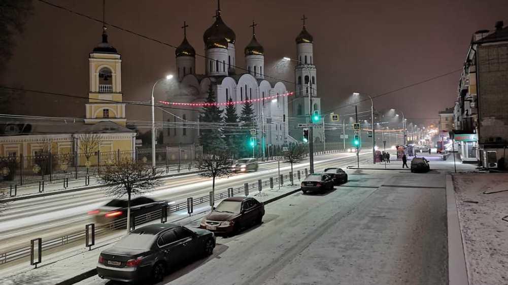 В центре Брянска вечером 30 января закроют парковки